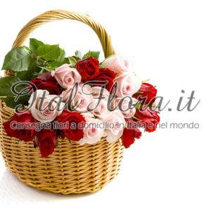Cesto di rose rosse e rosa