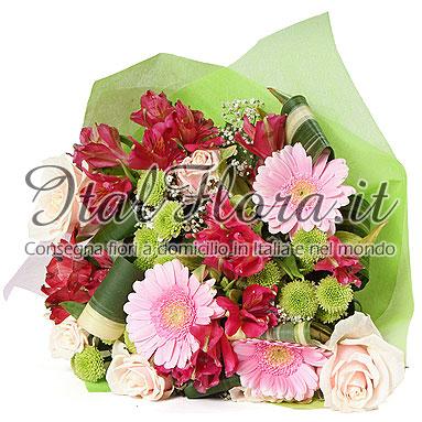 Mazzo di fiori rosa con rose